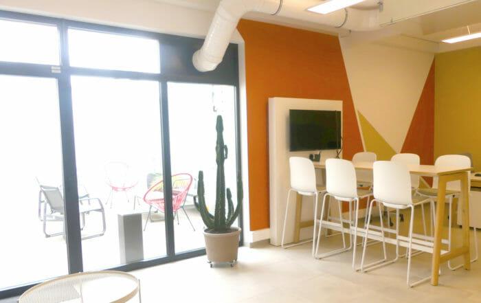 Intérieur de l'espace de coworking Village Socrate Le Havre Normandie
